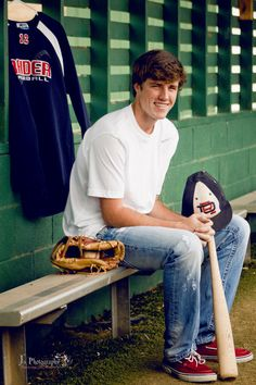 Senior picture baseball idea