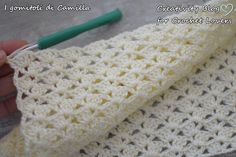 Punto Con Ventaglietti Per Copertine Baby Afghan Crochet Patterns, Baby Blanket Crochet, Crochet Stitches, Crochet Baby, Diy Crafts Butterfly, Diy Crafts Crochet, Popular Crochet, Crochet Videos, Hand Crochet