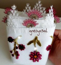 – Hobbies Ideal Origami Papers Origami is one regarding the most delicate types of art there is usually. Origami Owl, Origami Paper, Origami Butterfly, Tatting, Textile Dyeing, Types Of Lace, Needle Lace, Different Flowers, Lace Collar