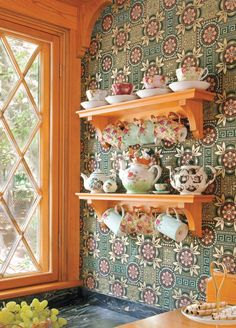 Old-house Kitchen Shelving - Old House Journal Magazine Pine Shelves, Wooden Shelves, Wooden Brackets, Victorian Kitchen, Folk Victorian, Kitchen Wallpaper, Wooden Stools, Best Kitchen Designs, Kitchen Shelves