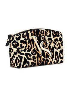Victoria's Secret Leopard Print Large Cosmetic Bag Leopard Bag, Leopard Animal, Victoria Secret Makeup, Victoria Secret Bags, Cute Purses, Purses And Bags, Leopard Makeup, Large Cosmetic Bag, Cosmetic Case