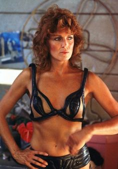 Joanna Cassidy as Zhora behind the scenes on #BladeRunner (1982)