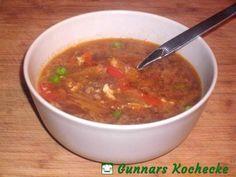 Sauer-scharfe Chinakohl-Suppe mit Hackfleisch