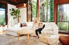Check out these great photos and interview with stylist Lisa Moir in her Mill Valley home.