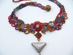 Free-form beadweaving necklace. By Wen-Shu Lee Wu 李文淑