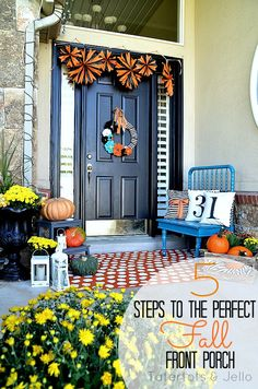 5 Tips to Creating a Beautiful Fall Front Porch via Tatertots & Jello