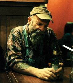 See Seasick Steve pictures, photo shoots, and listen online to the latest music. Music Love, Rock Music, Seasick Steve, Jools Holland, People Who Help Us, Walking Man, Soul Surfer, Blues Music, Beard No Mustache