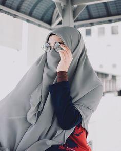 Niqab Fashion, Muslim Fashion, Beautiful Muslim Women, Beautiful Hijab, Hijabi Girl, Girl Hijab, Hijab Niqab, Wedding Girl, Casual Hijab Outfit