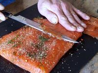 Gravlax salmon: an easy recipe for dried salmon with salt and spices Recipe by Chef Simon Meat Recipes, Seafood Recipes, Seafood Meals, Delicious Recipes, Small Meals, Eat Smart, Fish Dishes, Food Festival, Light Recipes