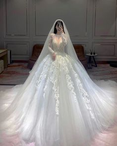 Wedding Dress Outlet, Wedding Dress Trends, Gorgeous Wedding Dress, Wedding Dress Styles, Floral Prom Dresses, Prom Girl Dresses, Ball Dresses, Pretty Dresses, Princess Outfits