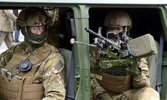 Oficerowie odchodzą z GROM-u - Polityka - Newsweek. Proud Of You, Special Forces, Pisa, Master Chief, Military, Warriors, Boys, Baby Boys, Children