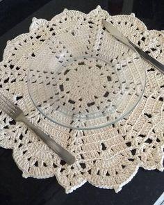 Free Crochet Doily Patterns, Crochet Doilies, Mandala, Blanket, 1, Beautiful, Instagram, Doilies, Crochet Vase