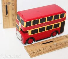 """THOMAS AND FRIENDS BULGY RED BUS 3"""" TRAIN MOTORIZED TOMY TRACKMASTER TOY 1995 #TOMY"""