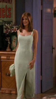 Friends Rachel Outfits, Rachel Green Outfits, Friend Outfits, 2000s Fashion, Teen Fashion Outfits, Pretty Outfits, Cute Outfits, 90s Inspired Outfits, Friends Fashion