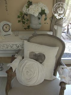 ٠•●●♥♥❤ஜ۩۞۩ஜஜ۩۞۩ஜ❤♥♥●   chair and pillows, urn  ٠•●●♥♥❤ஜ۩۞۩ஜஜ۩۞۩ஜ❤♥♥●