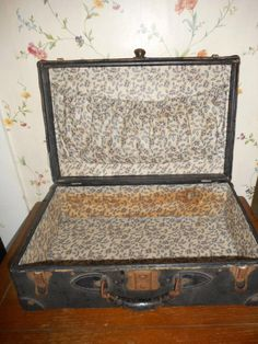 vintage 40's black faux leather over cardboard suitcase w/metal corners & leather handle - http://oleantravel.com/vintage-40s-black-faux-leather-over-cardboard-suitcase-wmetal-corners-leather-handle
