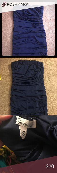 Navy blue strapless dress Navy blue bunched strapless dress. Super cute and great to wear to a wedding or out for a night on the town Dresses Mini