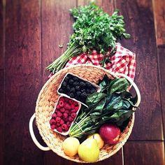 🌘Hard to choose what to mix...🌿🍇🍋 #healthy #coctail with #cucumber #raspberry 🍇 #parsley 🍃 #lemon 🍋 and #icecubes #healthyplan #diet #gogreen #greencoctail #foodporn #instagood #supper #spinach #fruit #healthybasket #pear #peach #omniom #dieta #koktajl #kolacja #pyszne #pleasefollow #refreshing #foodpics #summertaste #foodinsta www.malvinahereiam.com