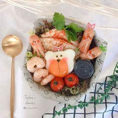 Instagram 上的 michiyo:「 ˖꙳⋆June.10.2020.˖꙳⋆ * * * *おはようございます♡ * * *ぱぱのお弁当🍙 * *サムギョプサルどん * *ご飯の上に乗せるので、タレは焼肉のタレにしてみました(•ᴗ•) *サムジャン風は容器に入れてますよ⑅◡̈*。 * * * * * * * * … 」 Cute Bento Boxes, The Incredibles, Instagram