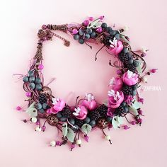 Copyright necklace with flowers