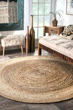"The Jute fiber, also known as the ""Golden Fibre"", is known for both its durability and comfort underfoot. Jute and other natural fiber rugs are a great addition to any room seeking a elegant yet classic look. Seagrass Rug, Jute Rug, Seagrass Carpet, Woven Rug, Natural Fiber Rugs, Natural Area Rugs, Natural Texture, Natural Rug, Border Rugs"