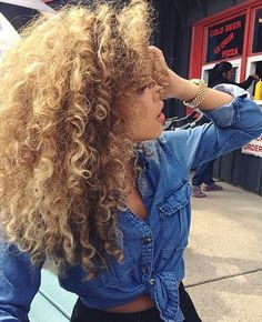 Natural Curly Hairstyles And Perfect Styling