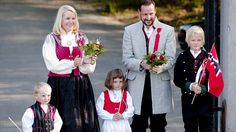 The Royal Family are good ambassadors for costume. Here's Crown Princess Mette-Marit, Crown Prince Haakon, Princess Ingrid Alexandra, Prince Sverre Magnus and Marius Borg Høiby 17 May 2009.  Photo: Solum, Stian Lysberg / SCANPIX
