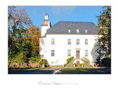 Aussergewöhnliche HochzeitsLocation in Moers!  Im Schloss Lauersfort in Moers kann man standesamtlich heiraten! Tolle Location für wunderschöne Hochzeitsfotos!www.hochzeitsfotografie-duisburg.de