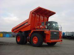 Maximum GMW OF 96.000 KG    Engine  CUMMINS 700HP  12 Cylinders