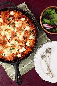 Skillet lasagna from Annie's Eats. Lasagna on a weeknight in 20 minutes?! Yes please!