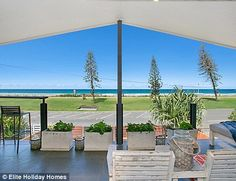 How the Gold Coast upgraded from a Schoolies playground to a tourist hot spot | Daily Mail Online