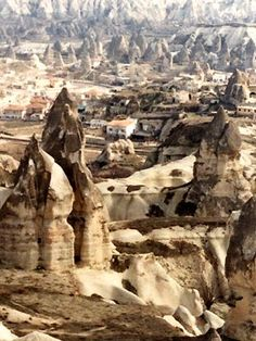 Las chimeneas de las hadas en la región de Capadocia