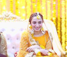 Wedding Dance Songs, Dance Floor Wedding, Basic Makeup Kit, Afghani Clothes, Indian Wedding Video, Baby Love Quotes, Mix Video, Asian Bridal Dresses, Neha Kakkar