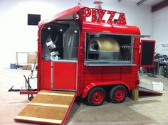 Horse Trailer Buyer Tips: Slant Load vs. Coffee Food Truck, Pizza Food Truck, Food Cart Design, Food Truck Design, Pizza Vans, Concession Food, Mobile Food Trucks, Mobile Cafe, Mobile Catering