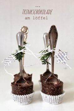 young pretty vegan: Weihnachtliche Trinkschokoladen (Vegan Chocolate Spoons)
