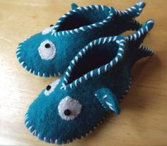 felted baby slippers....FISH, how cute