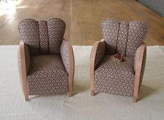 Moon's Miniatures: Cosy Chair