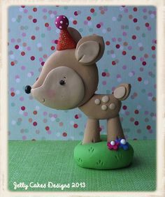 deer topper by Jelly Cakes Designs, via Flickr