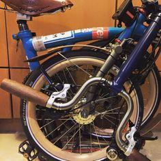 Wooden Rims and Grips. Brompton, Cycling, Bicycle, Happy, Biking, Bike, Bicycle Kick, Bicycling