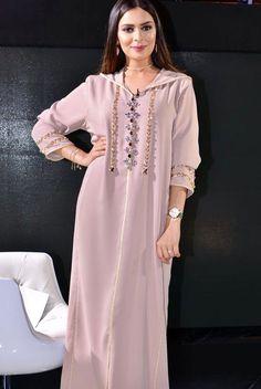 Image gallery – Page 636133516091390037 – Artofit Morrocan Kaftan, Moroccan Dress, Abaya Fashion, Muslim Fashion, Fashion Dresses, Stylish Dress Designs, Embroidery Fashion, Traditional Dresses, Dress Patterns