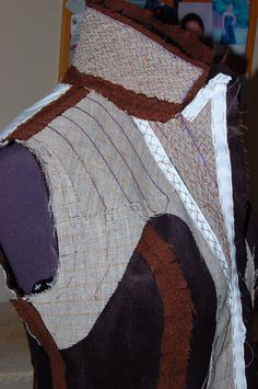 Sewing Tips 391883605068061326 - I also reinforced the shoulder by adding bias cut hair canvas. Padstitched the lapels, taped the roll line (by hand) so that the lapels lie close to the body without gaping. Sewing Blogs, Sewing Hacks, Sewing Tutorials, Sewing Patterns, Sewing Tips, Sewing Stitches, Diy Fashion No Sew, Fashion Sewing, Fashion Blogs