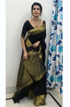 Source by reithika saree Saree Blouse Neck Designs, Saree Blouse Patterns, Black Blouse Designs, Trendy Sarees, Stylish Sarees, Indian Beauty Saree, Indian Sarees, Ethnic Sarees, Saree Trends