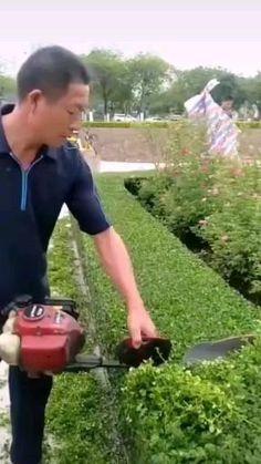 Landscaping Tools, Backyard Landscaping, Cool Tools, Diy Tools, Como Plantar Banana, Garden Projects, Garden Tools, Landscape Design, Garden Design