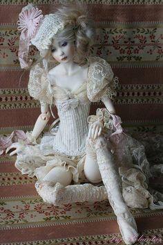 Artist doll by Heliantas