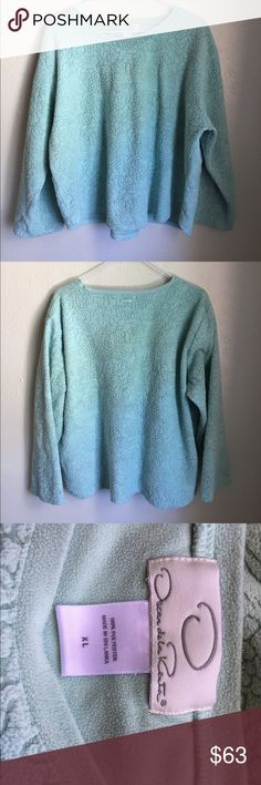 Oscar de la Renta sweater Sea foam green Oscar de la Renta sweater. Pictures do not do the color justice. Size XL. Oscar de la Renta Sweaters