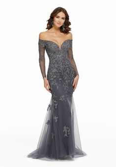 Evening dresses, designer mother of the bride dresses, mgny madeline gardner evening gowns beaded, metallic lace appliqués on tulle style: 72015 Navy Evening Dresses, Dresses Elegant, Dressy Dresses, Prom Dresses, Glamorous Evening Gowns, Chiffon Evening Dresses, Dress Prom, Dresses Short, Types Of Dresses