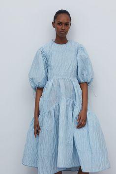 Cos Dresses, Event Dresses, Casual Dresses, Modest Fashion, Fashion Outfits, Womens Fashion, Fashion Trends, Different Dresses, Fashion Show