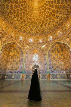http://www.irandestination.com/sheikh-lotfollah-mosque-isfahan/ #irantravelagency #irantouroperator #isfahan #sheikhlotfallahmosque #traveltoiran #iloveiran #irantrip