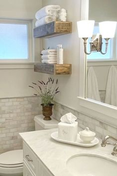 Check out this beautiful and stylish solution for storage in small bathroom. DIY farmhouse floating shelves for your master bathroom or guest bathroom with hidden drawer to make your bathroom more organized and still look high end. DIY secret bathroom storage for small bathrooms. Diy Storage Boxes, Hidden Storage, Extra Storage, Box Shelves, Rustic Shelves, Small Bathroom Storage, Decorating Small Bathrooms, Large Curtains, Floating Shelves Diy
