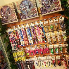 En #Zaitama tenemos un nuevo mueble con productos exclusivos del Gundam Café y la Ghibli Store directos de Japón para ti ()/ Visítanos en nuestra tienda de Providencia!